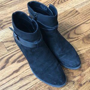 Carlos Santana Black Booties size 9